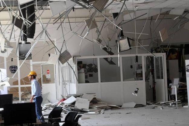 I danni alla concessionaria Maresca e Fiorentino (FotoSchicchi)