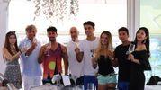 i ragazzi pagati per i fare i turisti con Gianni Indino