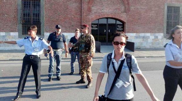 Militari e forze dell'ordine hanno fatto sgomberare il Museo delle Sinopie in piazza dei Miracoli