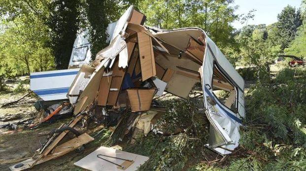 Un campeggio devastato dal maltempo nel Sud della Francia (Ansa)