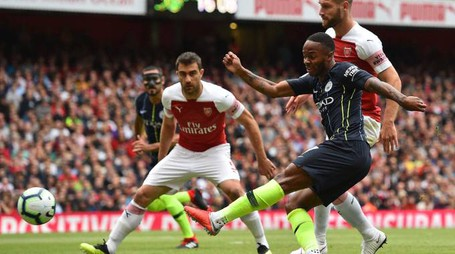 Raheem Sterling, centrocampista del Manchester City