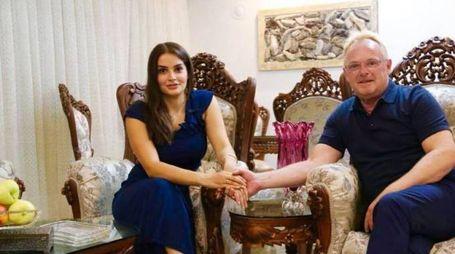 Bahareh Letnes e il ministro norvegese Per Sandberg (Facebook)