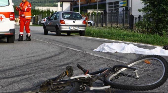 TRAGEDIA La ragazza stava sopraggiungendo da una strada secondaria che si immette sulla Statale  nel territorio comunale  di Berbenno