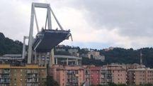 Quel che resta del Ponte Morandi a Genova (LaPresse)