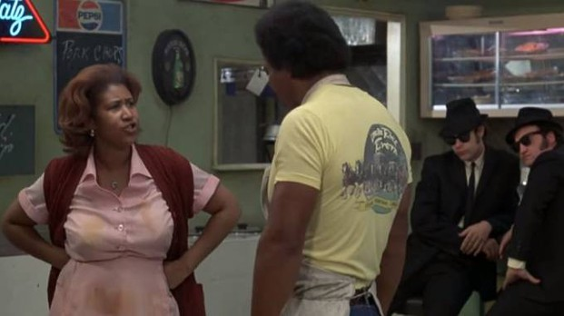 Aretha Franklin in 'The Blues Brothers' (da youtube)
