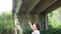 Una delle parti dove si notano i cedimenti del cemento (Lecci)