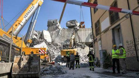 Il ponte Morandi crollato a Genova (Lapresse)