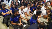 I giocatori di Genoa e Sampdoria uniti (LaPresse)