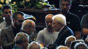 Il sostegno di Mattarella ai parenti delle vittime (LaPresse)