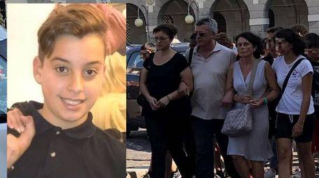 Lo strazio dei genitori di Daniele Melandri, morto a 13 anni (foto Corelli)