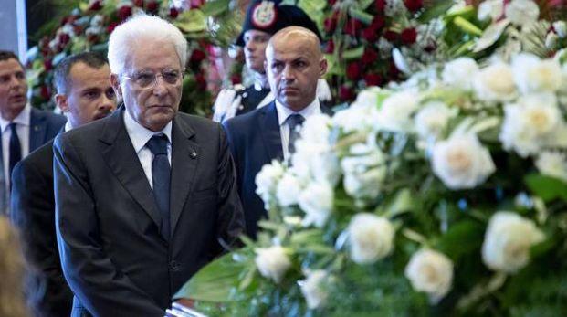 Il presidente Mattarella ai funerali di Stato delle vittime di Genova (Ansa)