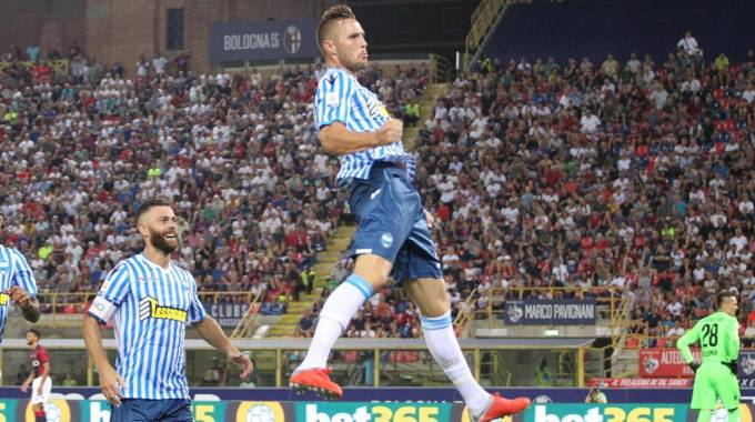 Bologna-Spal, Kurtic esulta dopo il gol (Ansa)