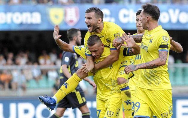 Chievo-Juventus 2-1, Giaccherini, rigore (Lapresse)