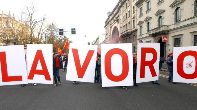 AMAREZZA Corteo di lavoratori  organizzato dai sindacati a Milano