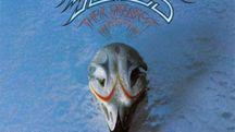 Dettaglio della copertina di 'Their Greatest Hits (1971-1975)' – Foto: Asylum