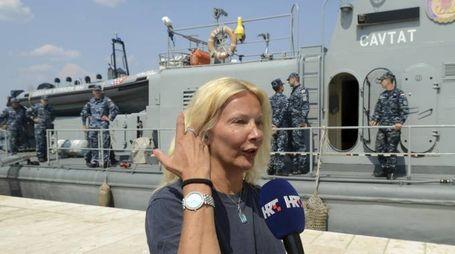 La donna caduta dalla nave (Ansa)