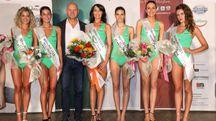 Simona Rosati, Miss Equilibra Toscana 2018 alla premiazione con le altre finaliste