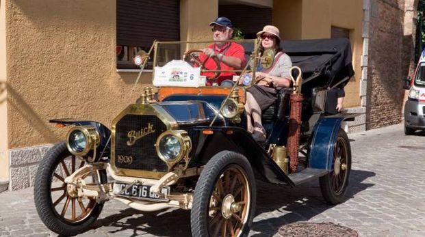 """La Buick Absent del 1909 sfilerà con la carovana di """"Sibillini e dintorni"""""""