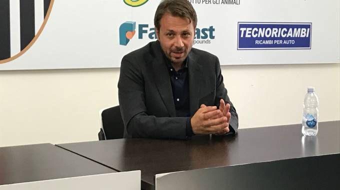 Il direttore sportivo dell'Ascoli Antonio Tesoro