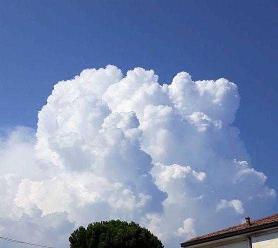 La cella temporalesca si è formata a nord delle Valli di Comacchio (Scardovi)