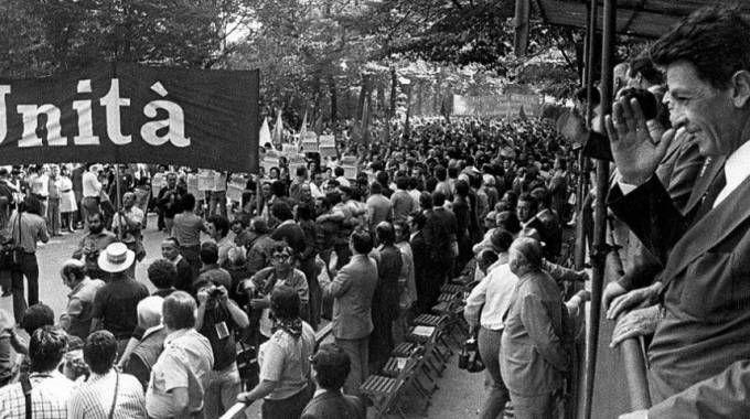 Enrico Berlinguer, comizio alla Festa dell'Unità