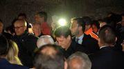 Il premier si è trattenuto con i familiari delle vittime (Poli)