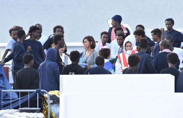 Laura Boldrini sulla nave Diciotti (Ansa)