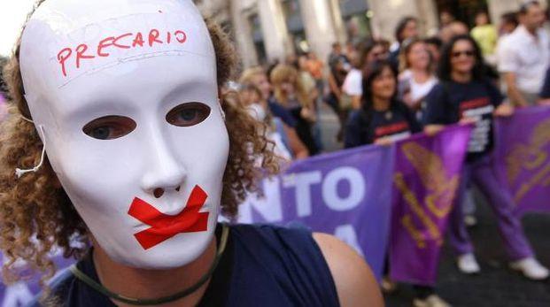 PROTESTA Un corteo organizzato dai sindacati nel centro di Milano