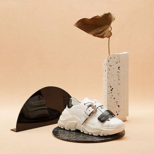 Borse e sneakers di Paula Cademartori