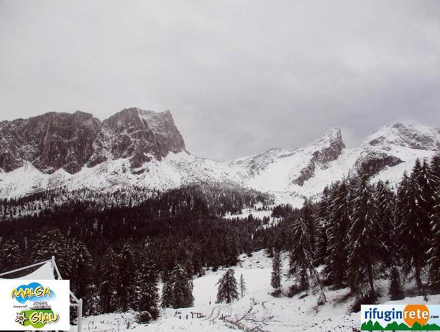 Passo Giau sulle Dolomiti innevato (Ansa)