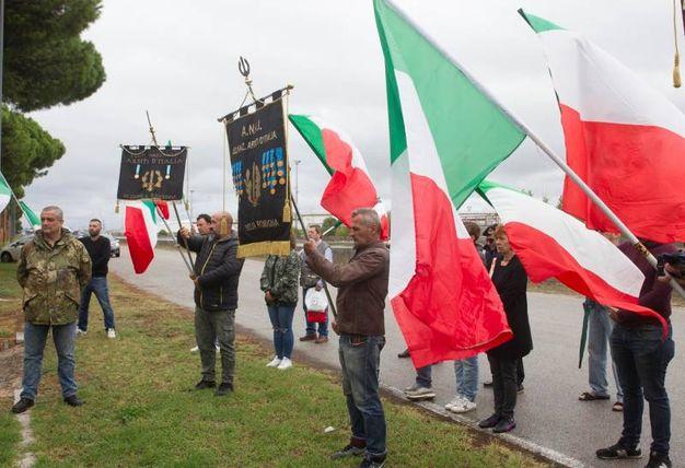 Al cimitero monumentale di Ravenna l'associazione Arditi d'Italia commemora la morte di Ettore Muti (foto Corelli)