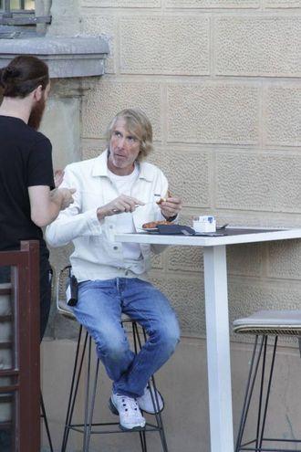 Michael Bay a colazione (Umberto Visintini / New Press Photo)
