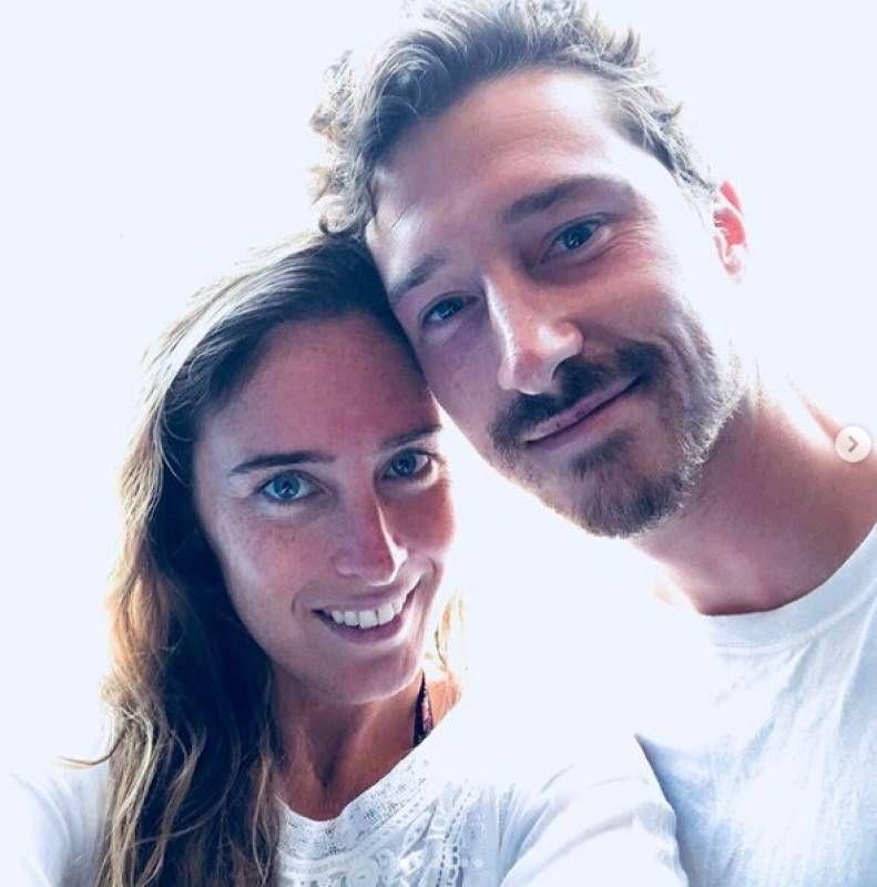 Risultati immagini per Maria Elena Boschi (più in forma che mai) alle Eolie, vacanza con il fratello foto