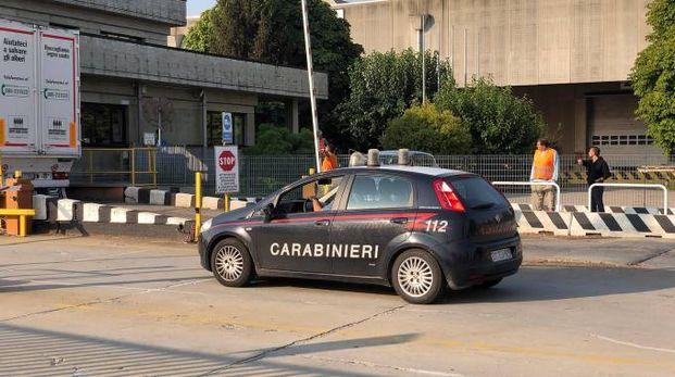 Carabinieri nella ditta dove si è verificato l'incidente (Sacchiero)