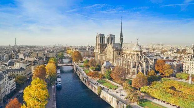 Nel 2017 la Francia ha attirato 86,9 milioni di visitatori - Foto: espiegle/iStock