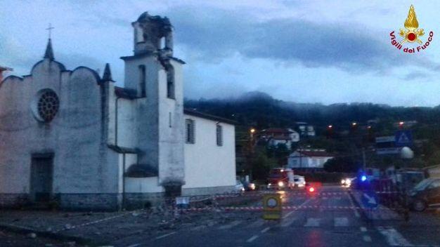 Beverino (La Spezia), crolla parte del campanile