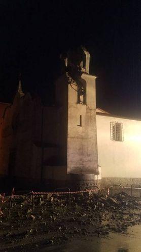Campanile crollato a Beverino (foto Matteo Marcello)