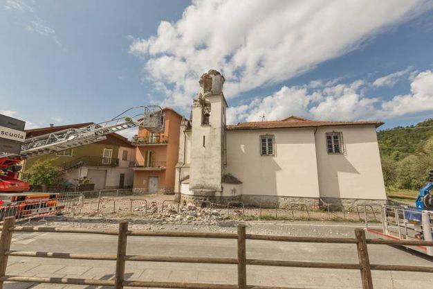 Campanile crollato a Beverino (foto Frascatore)