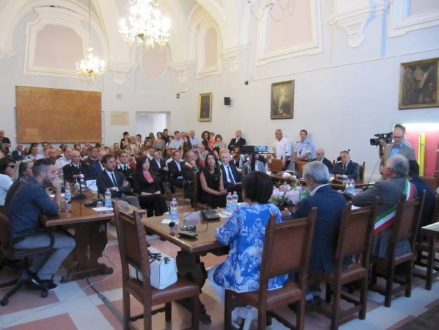 Urbino, seduta solenne del consiglio comunale per la Branchesi (Foto Lara Ottaviani)