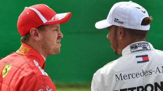 Gp Monza 2018, Vettel guarda Hamilton (Ansa)
