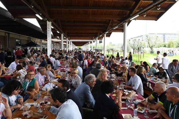 Centinaia di partecipanti alla decima edizione di Chef al Massimo da Fico  (Foto Schicchi)