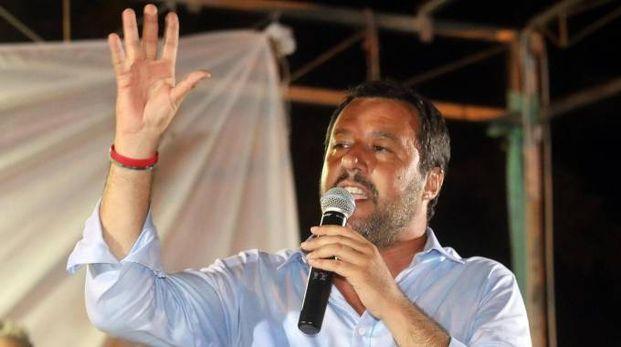 Matteo Salvini durante un comizio (Ansa)