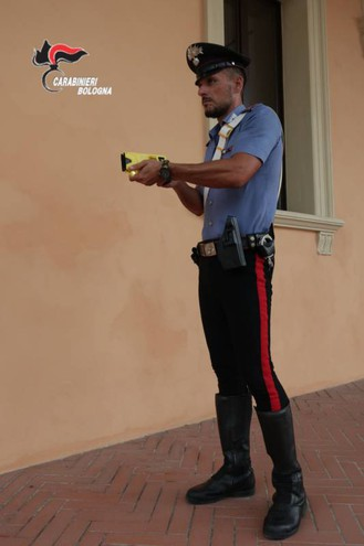 Soddisfatti i carabinieri per l'arrivo della pistola taser