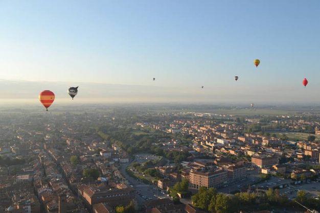 Volare in mongolfiera con il Ferrara Balloons Festival 2018 (foto Ferrara Fiere)
