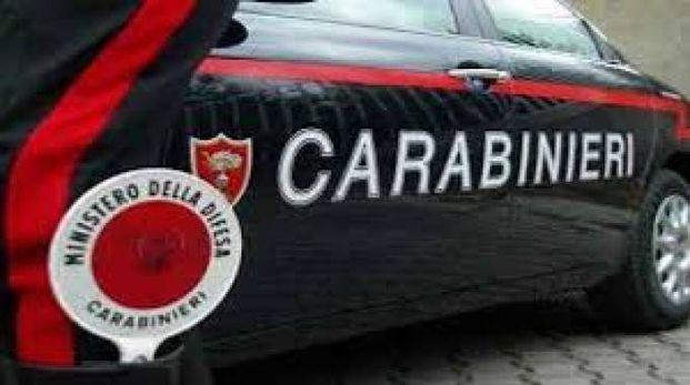 Il giovane è stato bloccato dai carabinieri