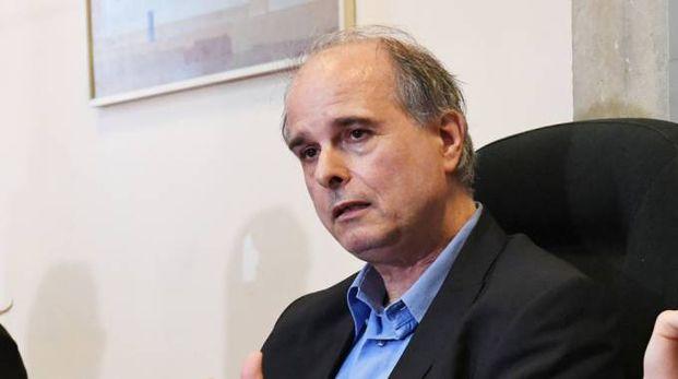 Il preside dell'Itc Carrara Cesare Lazzari