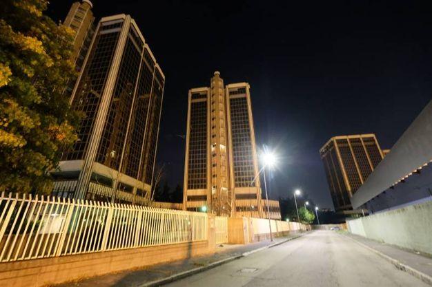 """Occupazione nella notte di una delle torri Ligresti del collettivo """"Aldo dice 26x1"""" (foto NewPress)"""