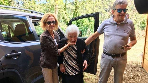 Il rientro di nonna Peppina (foto De Marco)