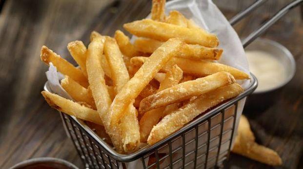 Internet si infiamma sui nomi della patatine in inglese - Foto: LauriPatterson/iStock