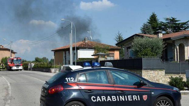 L'incendio a Nuvolera appiccato dopo la lite in famiglia (foto LaPresse)